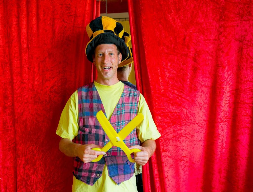 21 - Niklas König in seinem zweiten Berufsleben als Clown Casi
