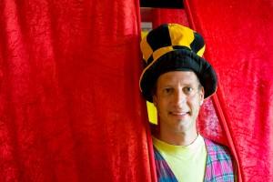 18 - Niklas König in seinem zweiten Berufsleben als Clown Casi